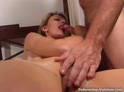 Rachelle de retour avec trois mecs !   (vidéo exclusive)