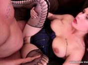 Luigia, vendeuse de lingerie, assume ses envies !  (vidéo exclusive)