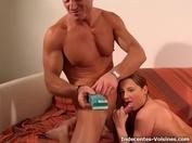 Anaïs, 21 ans, veut du black!  (vidéo exclusive)