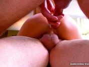 Douche d'urine et gamelle de Sperme pour Barbara !  (vidéo exclusive)