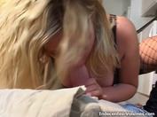 Passionnée d'équitation, Julia, 20ans, rattrape son retard !  (vidéo exclusive)
