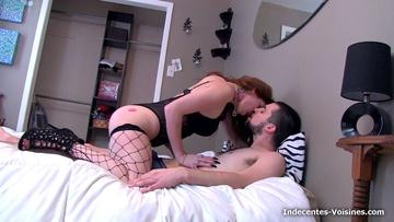 Première fois devant la caméra pour Cyann, coquine toulousaine !  (vidéo exclusive)