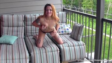 Diara, 22ans invite Sofia dans un plan cul !  (vidéo exclusive)