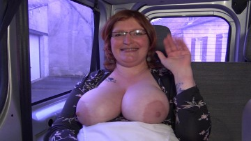 Pâté et sodomie, le combo gagnant d'Angélique !  (vidéo exclusive)